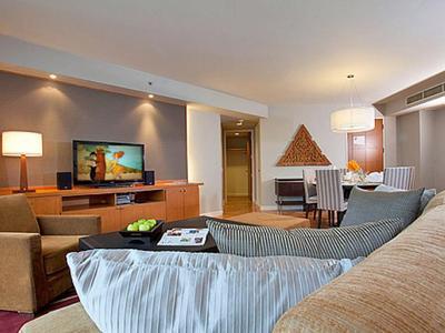 Sathorn 2 Bedroom Suite Photo 4