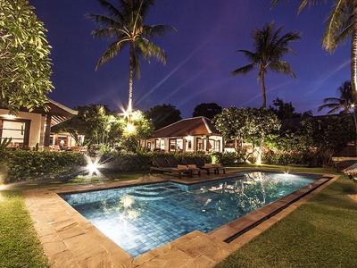 Bangrak Beachfront Villa Photo 5
