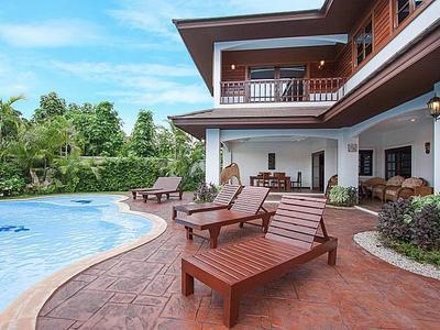 Lanna Karuehad Villa B Photo 5