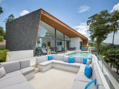 Villa Azure Waters Photo 3