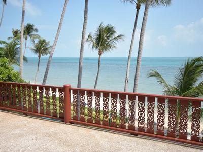 Coconut Paradise Pool Villa P3 Photo 2