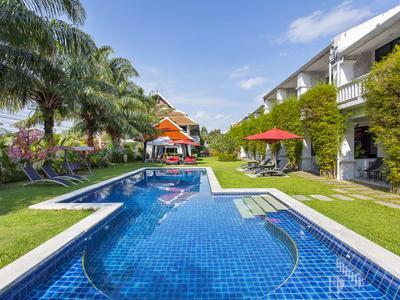 Coconut Palm Grove 40BR Photo 3