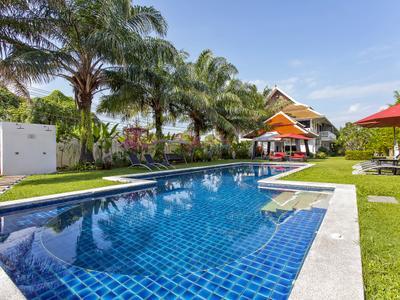 Coconut Palm Grove 40BR Photo 4