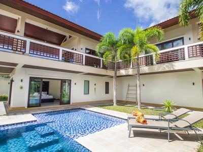 Infinity Pool Villa Photo 2