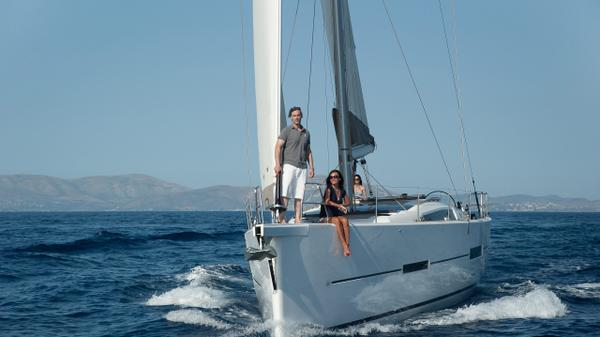 Sailing charters from Vancouver