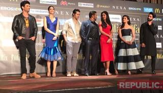 Hmm that gaze shared between Kat & Salman
