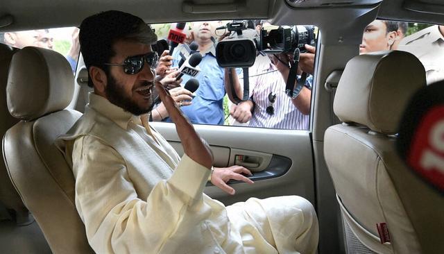#HurriyatTerrorLink   Revealed: Shabir Shah-JeM link