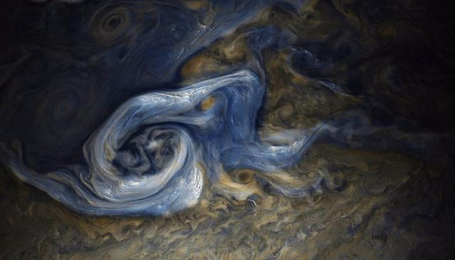 STUNNING IMAGE FROM JUPITER