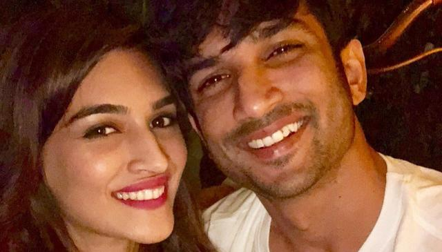 KRITI 'KISSES' SUSHANT