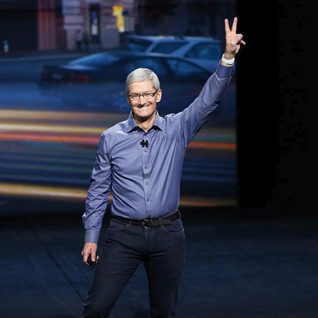 iPhone coming, iPad back!