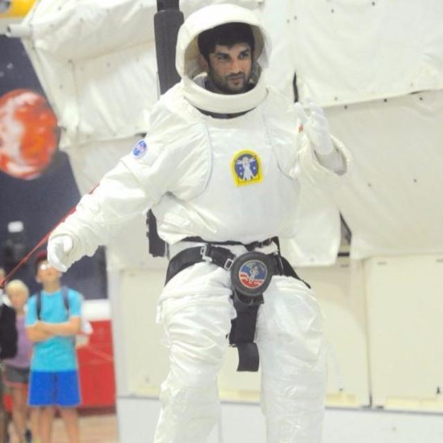 First B-town actor to train at NASA