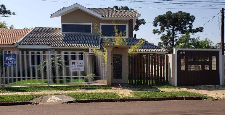Casa em Toledo-PR no bairro Vila Industrial  - Rua Santos Dumont, 4558, Sobrado