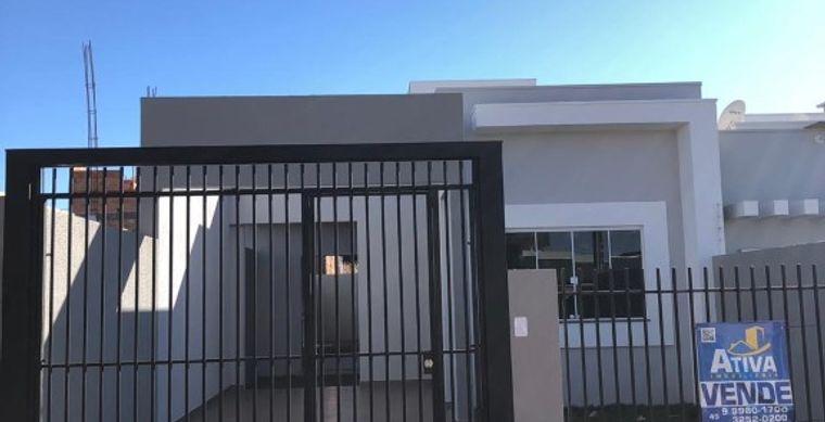 Casa em Toledo-PR no bairro Jd. Pancera - Rua Romano Feldikcher, 670, Loteamento Recanto das Hortênsia - Casa