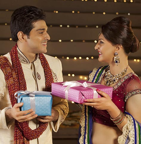 Send Diwali Gifts for Wife