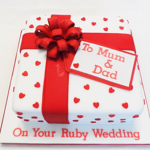 Mom Dad Anniversary Theme Fondant Cake
