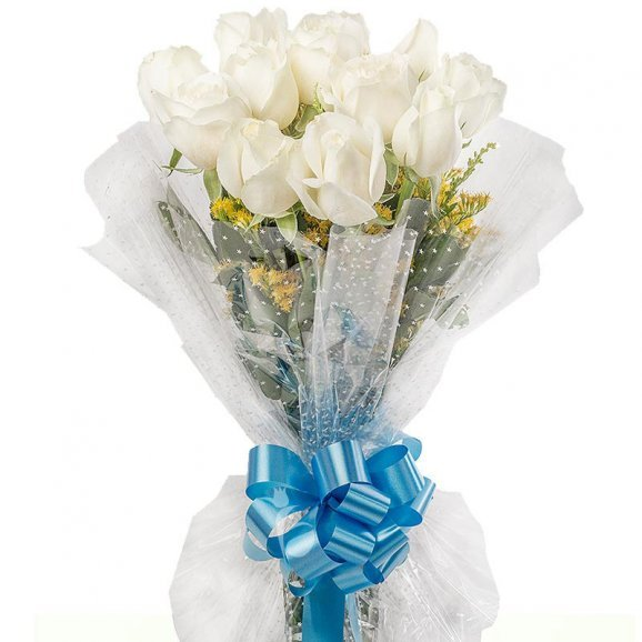 12 white roses bunch with Close View