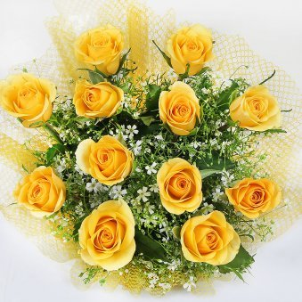 12 Yellow Roses Top View