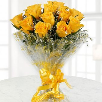 Caring Heart Bunch Of 12 Yellow Rose Flowers