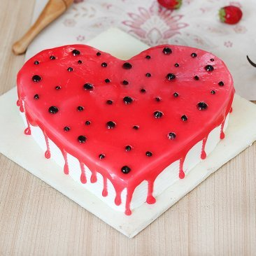 Heart Shaped Strawberry Vanilla Cake
