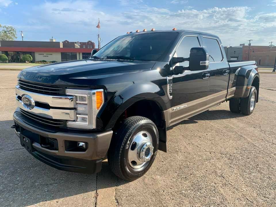 loaded with goodies 2017 Ford F 350 Powerstroke Diesel 4×4