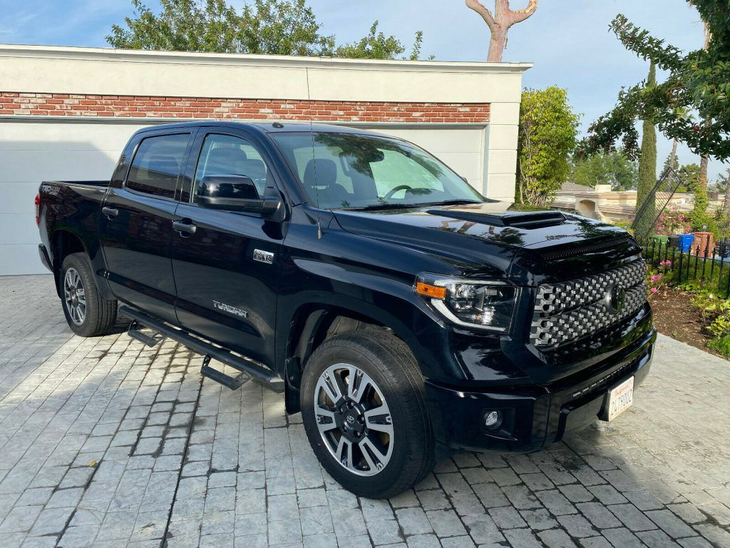 2019 Toyota Tundra 4X4 SR5 Crewmax TRD Sport PACKAGE [Always professionally detailed]