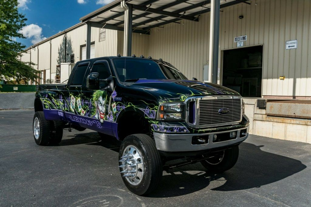 nicely modified 2005 Ford F 350 offroad