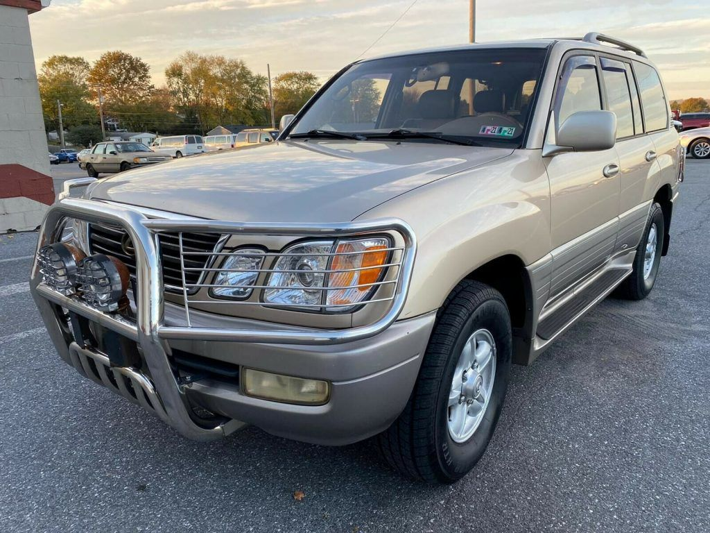 1999 Lexus LX 470 offroad [extremely capable]
