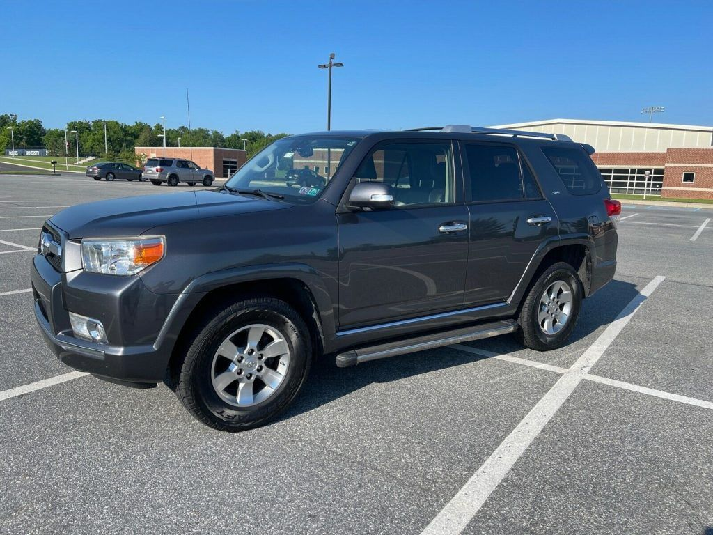2013 Toyota 4runner SR5 offroad [well equipped]