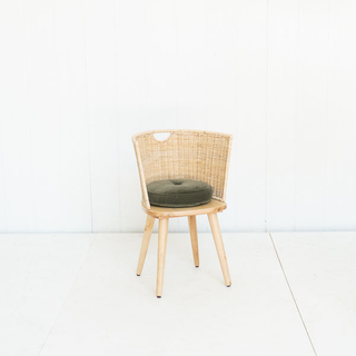 Light Wood Wicker Chair with Rounded Back