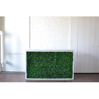 Shadowbox Bar with Hedge White Top