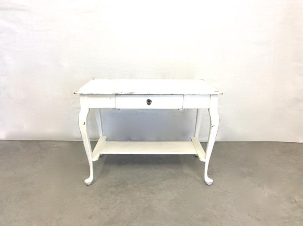 Bardot Table