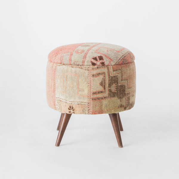 Pinky Ottomans, sm