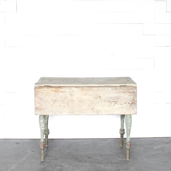 Sandy Table