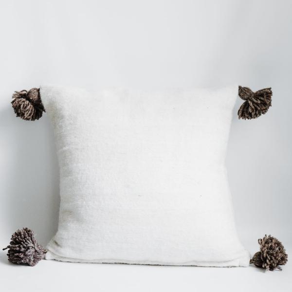 Pillow // Cream Moroccan Pom