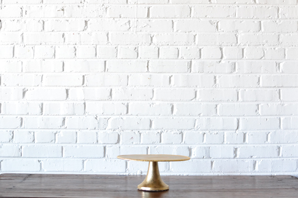 traditional gold cake stand