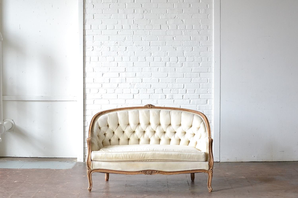 classic victorian tufted cream settee wood