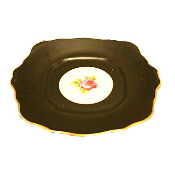 """""""Black Beauty"""" Cake Plate"""