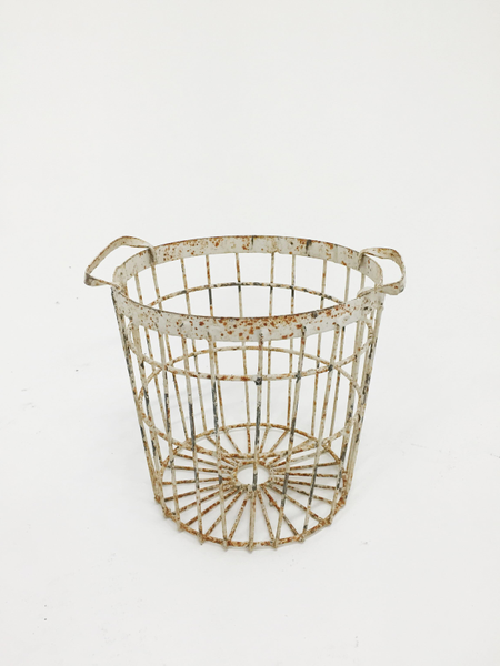 chippy white basket