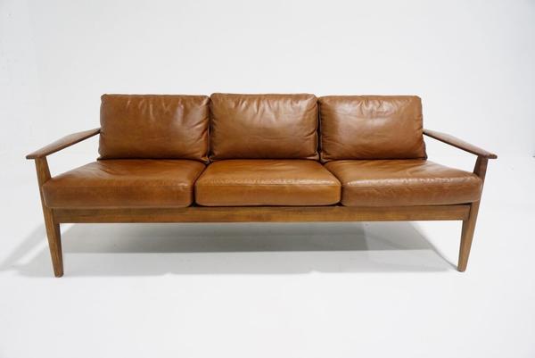 wyatt leather sofa