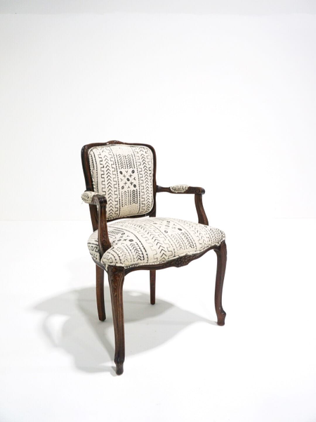 white sierra chair with arms
