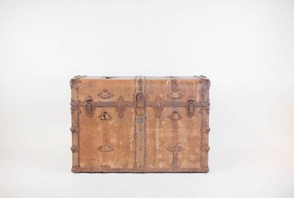 hemingway leather trunk