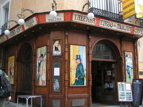 boutique-tours-in-spain/Madrid/hidden-treasuries-centenary-tabernas-of-madrid/taberna-madrid-boutique-tour.jpeg