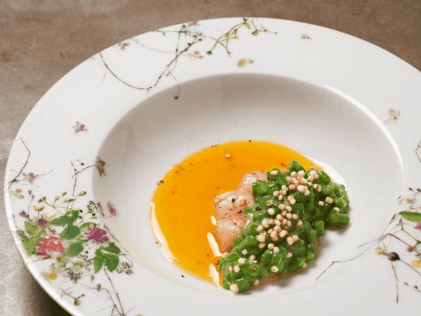 img/disfrute-de-la-comida-valenciana-en-el-restaurante-richard-camarena/RicardCamarena-MichelinStarValencia1.png