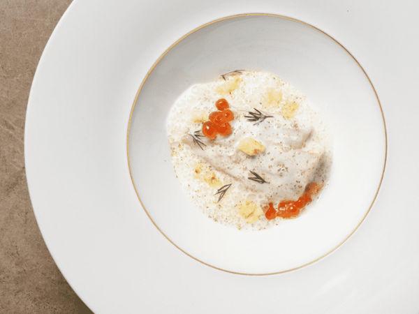 img/disfrute-de-la-comida-valenciana-en-el-restaurante-richard-camarena/RicardCamarena-MichelinStarValencia4.png