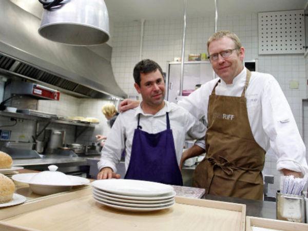 img/experiencia-gastronomica-valencia-alta-gastronomia-estrella-michelin-showcooking-en/bernd-knoller-valencia-michelin-chef.jpeg