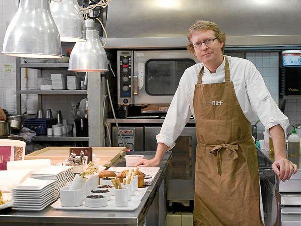 img/experiencia-gastronomica-valencia-alta-gastronomia-estrella-michelin-showcooking-en/bernd-knowller-riff-michelin-star.jpeg