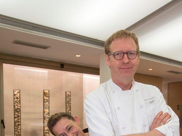 img/experiencia-gastronomica-valencia-alta-gastronomia-estrella-michelin-showcooking-en/michelin-star-chef-bernd.jpeg