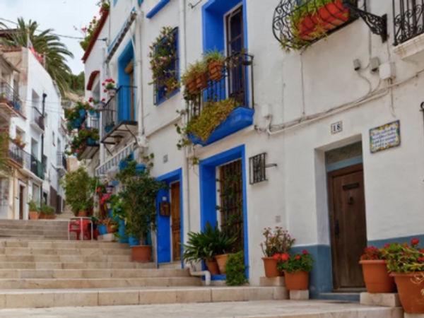 uploads/603f524c26d7794c8efaefd1/experiences-alicante-gastroandcult-castle3.png