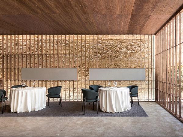 uploads/609ce0b4b530ac69c163626e/RICARD-CAMARENA-RESTAURANTE.-2-estrellas-michelín.-mejores-restaurantes-de-españa-en-valencia-para-comer-o-cenar-ALTO-TURISMO5.jpg