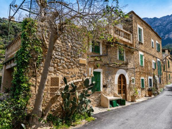 uploads/60d43c0e9a82aa0215b855da/Majorca_Exclusive_Valldemosa_Tour_8.png